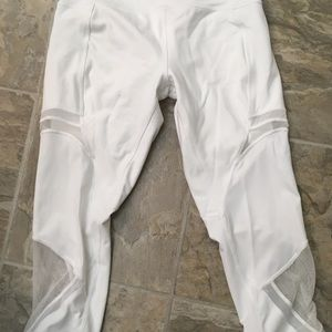 Lululemon size 10 white crops with mesh